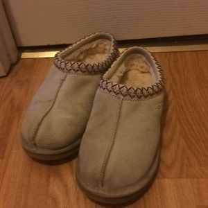 UGG slippers women's size 9